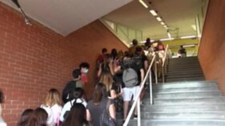 """Napoli, test di Medicina per oltre 4000 studenti: """"Rispettate le norme anti covid"""""""
