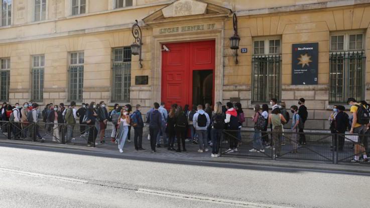 Coronavirus, Francia richiude 22 scuole