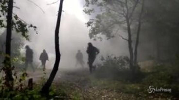 Tensioni al cantiere Tav, polizia usa idranti e lacrimogeni
