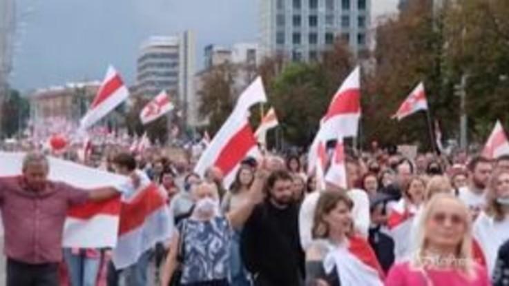 Bielorussia: oltre 100mila in marcia a Minsk contro Lukashenko