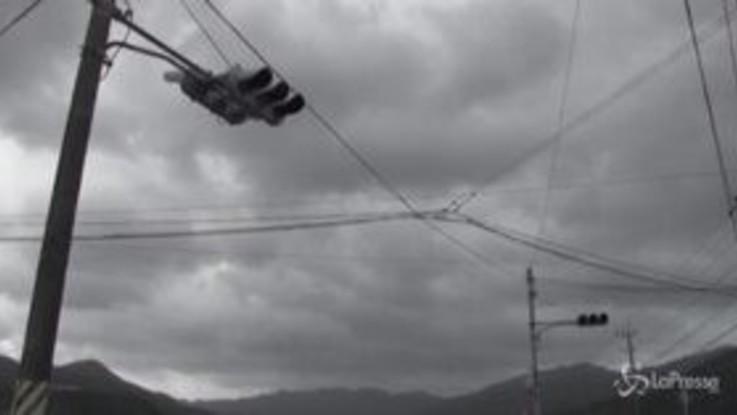 Il tifone Haishen colpisce il Giappone: 20 persone ferite