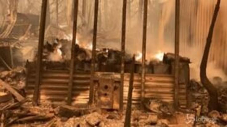 Incendi in California: 3 morti, a rischio migliaia di abitazioni