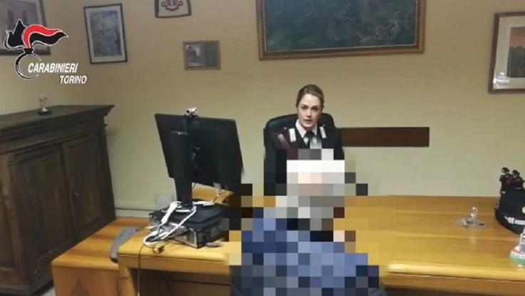 Torino, tenta di avvelenare anziano con liquido per auto: arrestata badante
