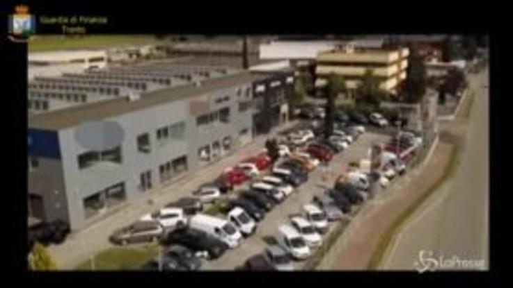 Società di autonoleggio rivendeva vetture: truffa scoperta