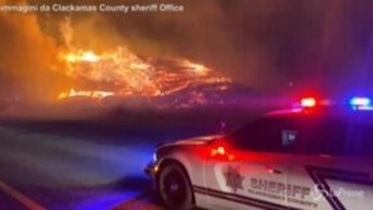 Oregon, gli incendi devastano lo Stato: 500mila evacuati