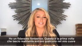 """Paris Hilton innamorata: """"Mi sento come se fossi in un mondo incantato"""""""