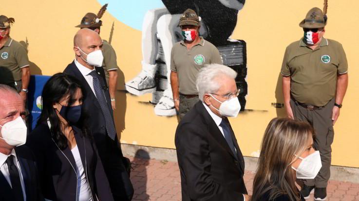 Inaugurazione anno scolastico a Vo', standing ovation per Mattarella