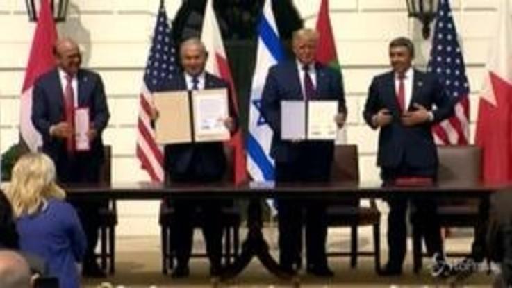 """Casa Bianca: firmati """"Accordi di Abramo"""" tra Israele, Emirati Arabi e Bahrein"""