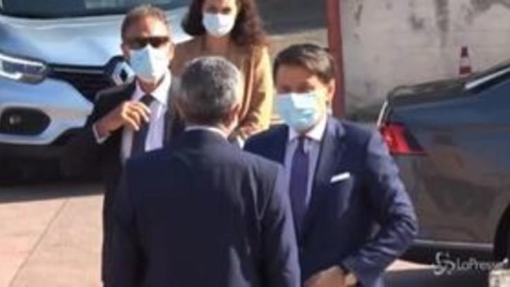 Scuola, Conte visita a sorpresa un istituto della periferia romana