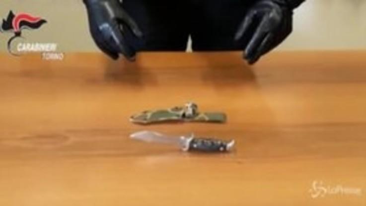 Torino, si prensenta sotto casa della ex con un coltello da caccia: arrestato