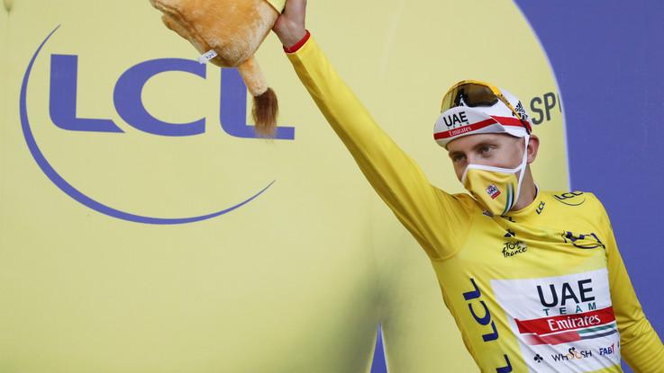 Ciclismo, Pogacar ribalta il Tour: crono, maglia gialla e vittoria finale