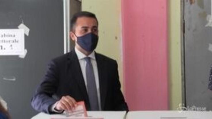 """Luigi Di Maio al seggio a Pomigliano: """"Aspettavamo questo momento da 30 anni"""""""