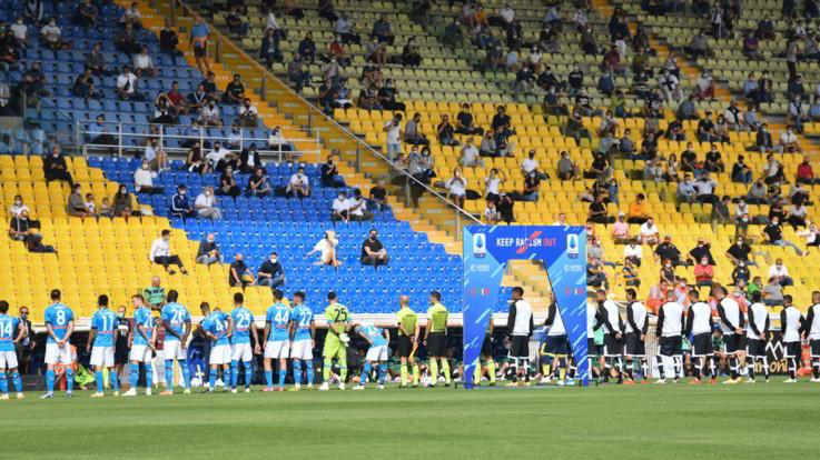 Serie A, Napoli vince 2-0 a Parma