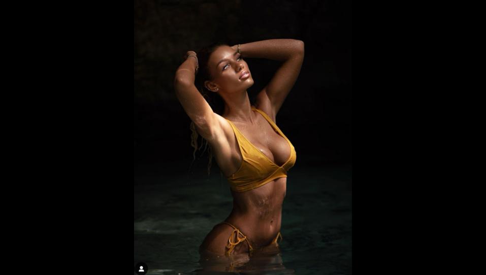 la modella Jena Frumes (fonte Instagram) ©