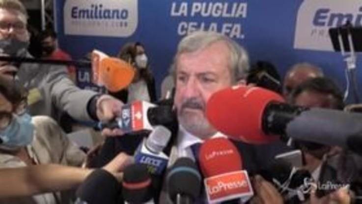 Regionali, tensione alla conferenza stampa di Emiliano