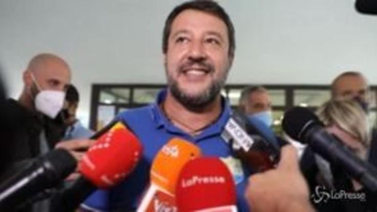 """Milano, Salvini dopo il voto: """"Non ho sanificato le mani? Ciumbia, lo farò subito"""""""