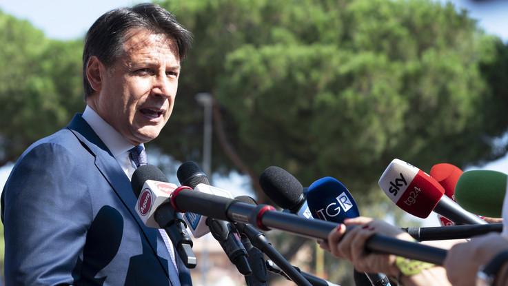 Governo, Conte tira sospiro di sollievo dopo voto ma ora c'è spettro rimpasto