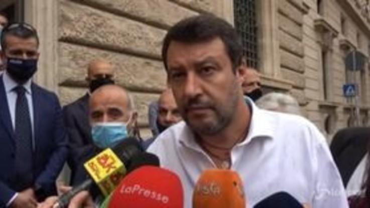 """Scuola, Salvini: """"Bussetti aveva l'ok di tutti i sindacati, Azzolina li avrà tutti in piazza"""""""