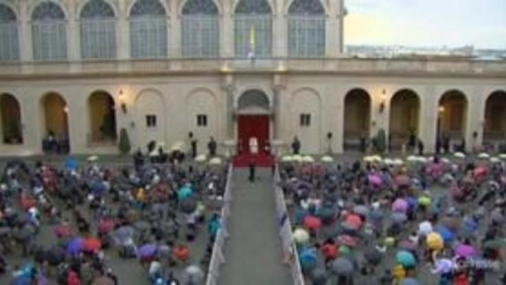 """Papa Francesco: """"Uscire dalla crisi significa cambiare, serve responsabilità"""""""