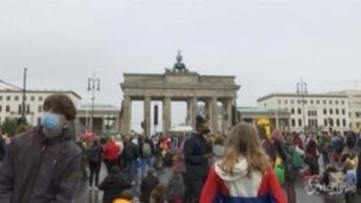 Berlino, migliaia in piazza contro il cambiamento climatico