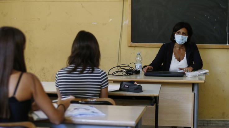 Scuola, Ministero Salute: obbligo tampone per casi sospetti