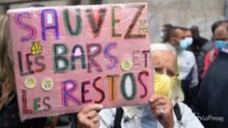 Marsiglia, i ristoratori protestano contro la chiusura