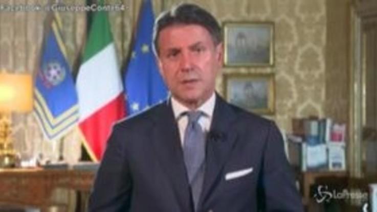 """Conte: """"L'Italia riparte solo se riparte la scuola"""""""