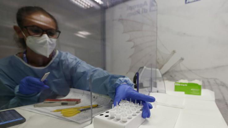 Coronavirus: nelle ultime 24 ore sono 1.869 i nuovi casi e 104.387 i tamponi