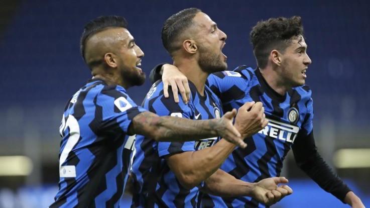 Serie A, è subito pazza Inter: 4-3 a una Fiorentina sciupona