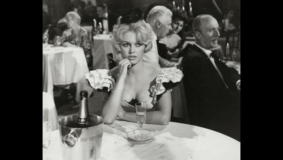 l'attrice Brigitte Bardot in un film degli anni '60 ©