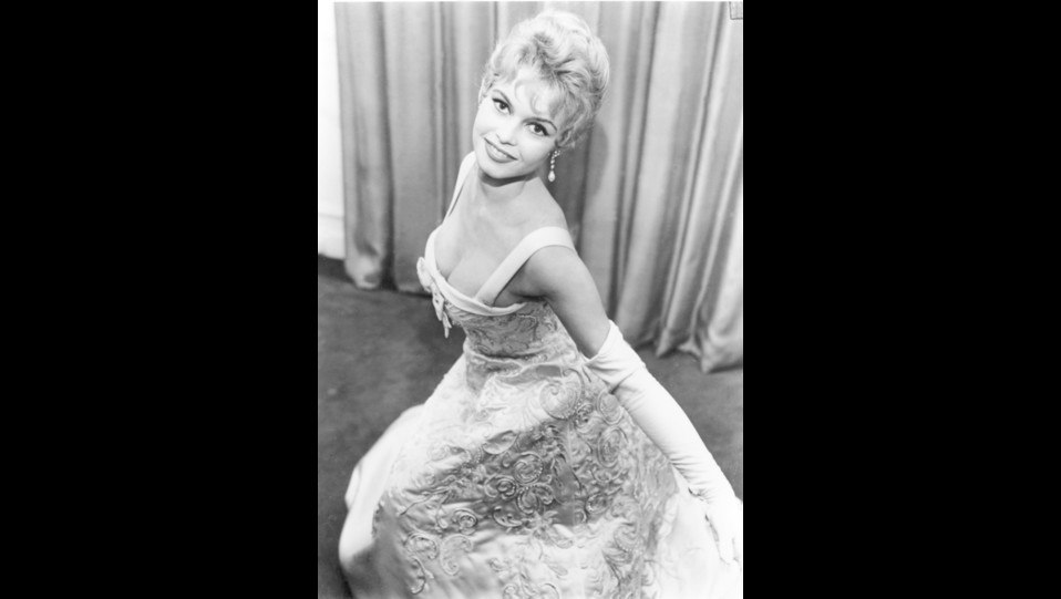 l'attrice Brigitte Bardot nel 1956 a Londra ©