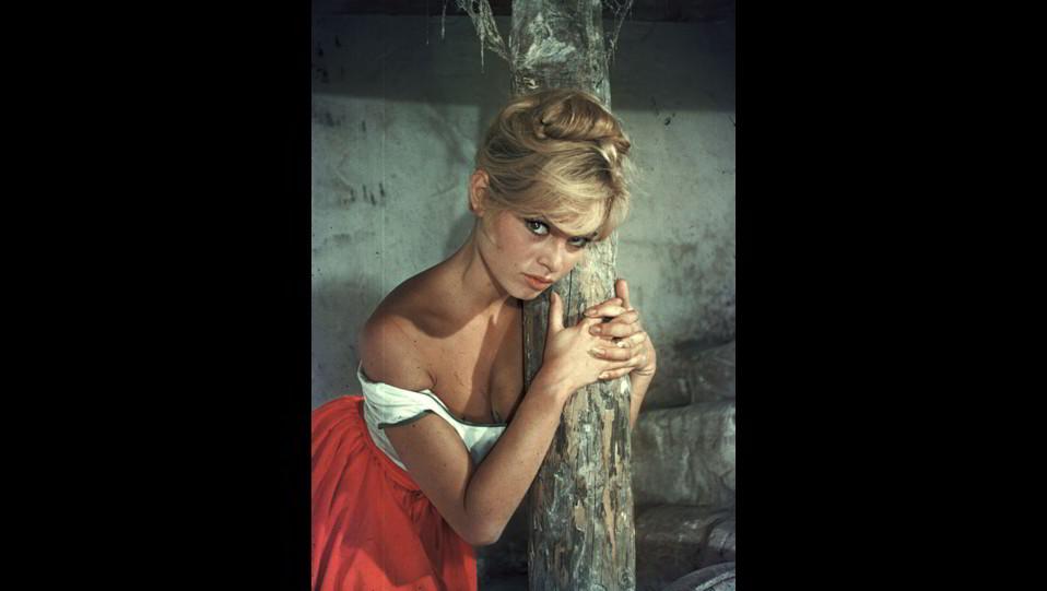 l'attrice Brigitte Bardot in una foto sexy degli anni '50 ©