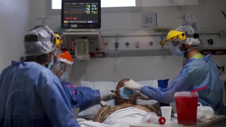 Superato il milione di morti nel mondo. Spagna prima in Europa per contagi