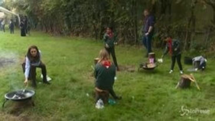 Royal family: Kate Middleton, falò e marshmallow con gli scout