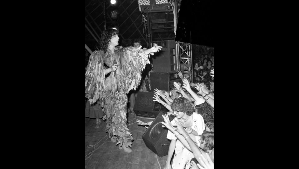 Renato Zero in concerto alla Bussola Domani nel 1978 ©