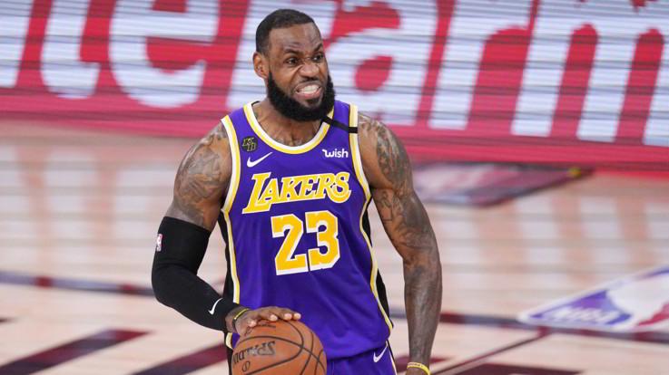 """Basket: al via le finali NBA. Il """"king"""" LeBron contro il suo passato"""