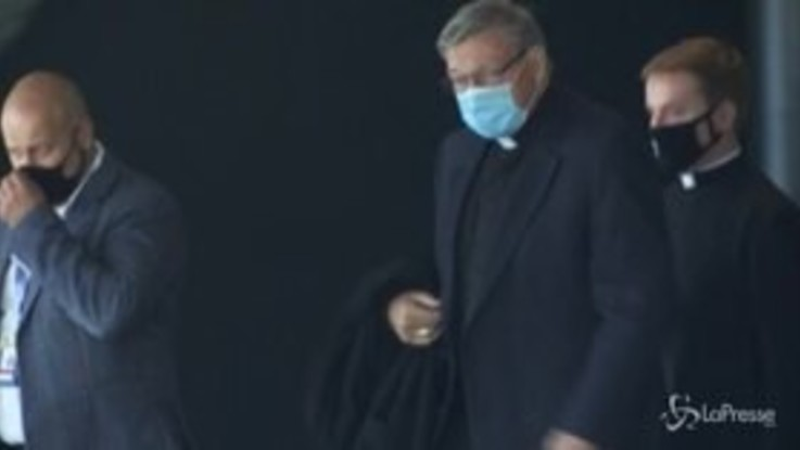 Il Cardinale Pell torna a Roma dopo tre anni di 'esilio'