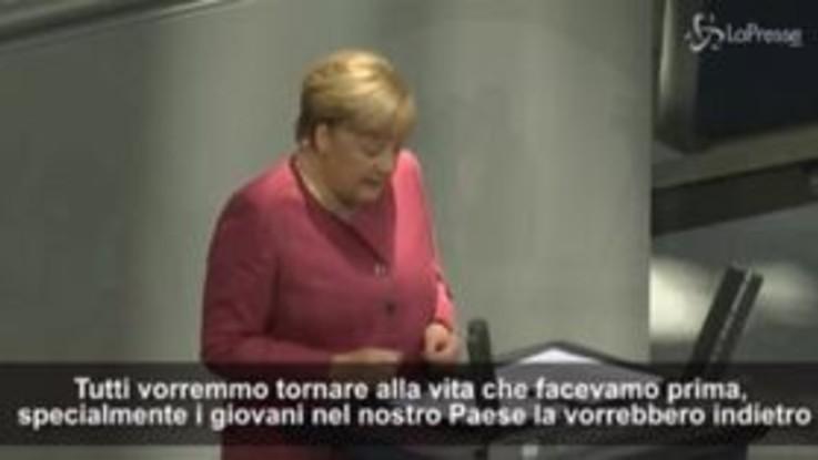 """Merkel: """"Stiamo rischiando ciò che abbiamo ottenuto negli ultimi mesi"""""""