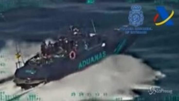 Spagna, sequestrate 35 tonnellate di hashish in mare: erano su yacht di lusso