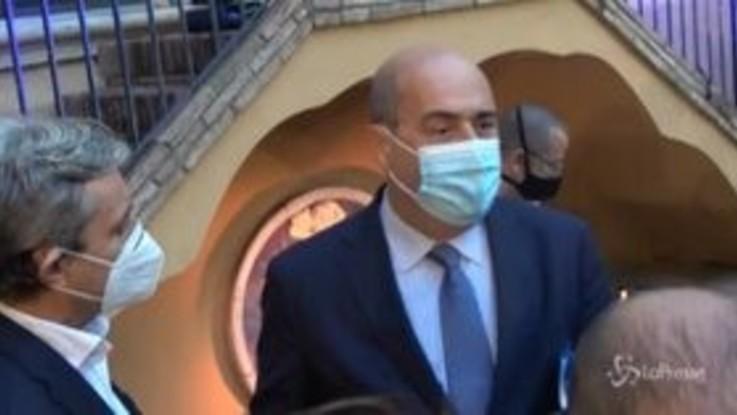 """Coronavirus, Zingaretti: """"Obbligo di mascherine anche all'aperto? Domani verifichiamo"""""""