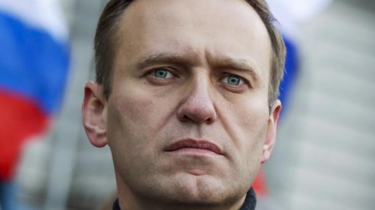 """Navalny: """"Dietro il mio avvelenamento c'è Putin"""". E fa causa al Cremlino"""