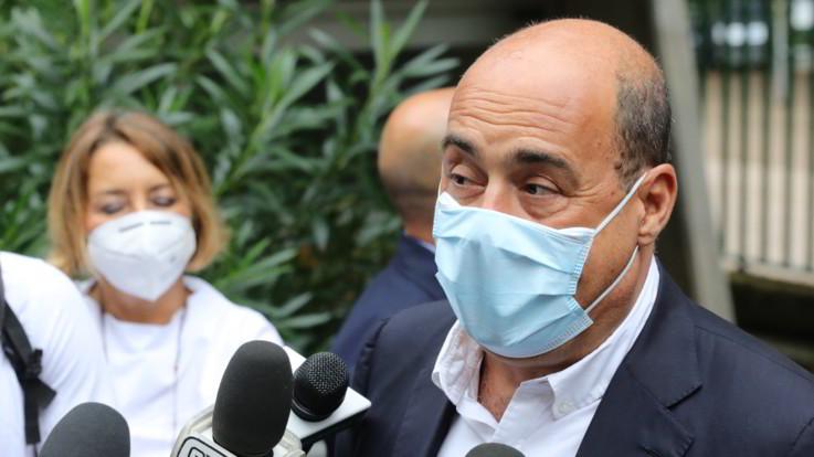 Lazio: da domani obbligo di indossare mascherine all'aperto