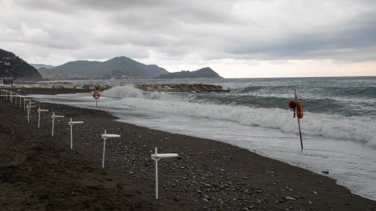 Maltempo, pioggia al Nord: allerta rossa in Liguria e Veneto