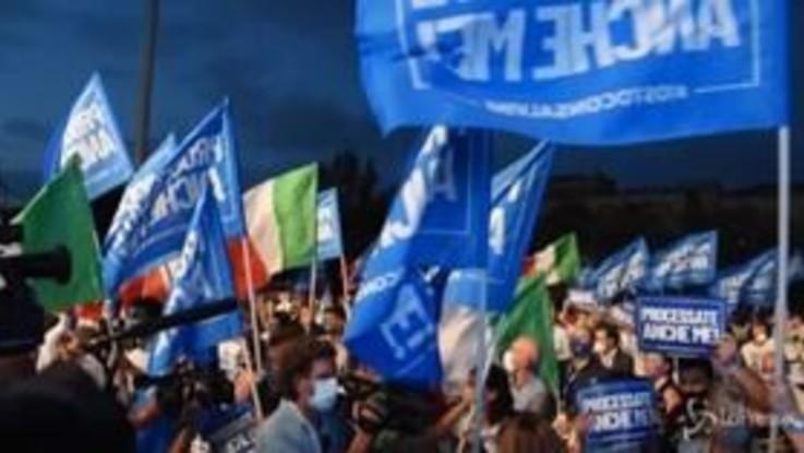 """Caso Gregoretti, tra i sostenitori di Salvini a Catania: """"Matteo aveva mandato popolare, dev'essere assolto"""""""