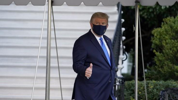"""Trump positivo al Covid, il medico curante: """"Stamattina sta molto bene"""""""