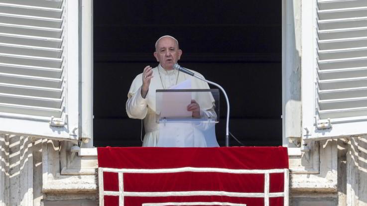 """Enciclica in pandemia. Il Papa: """"Il virus non è un castigo, ma realtà geme e si ribella"""""""