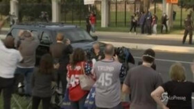 Usa, Trump lascia temporaneamente l'ospedale per salutare i fan