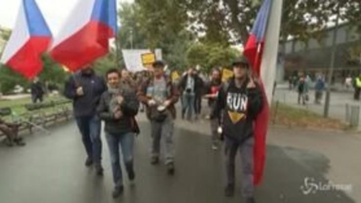 Covid-19, nuove restrizioni in Repubblica Ceca: la protesta dei ristoratori