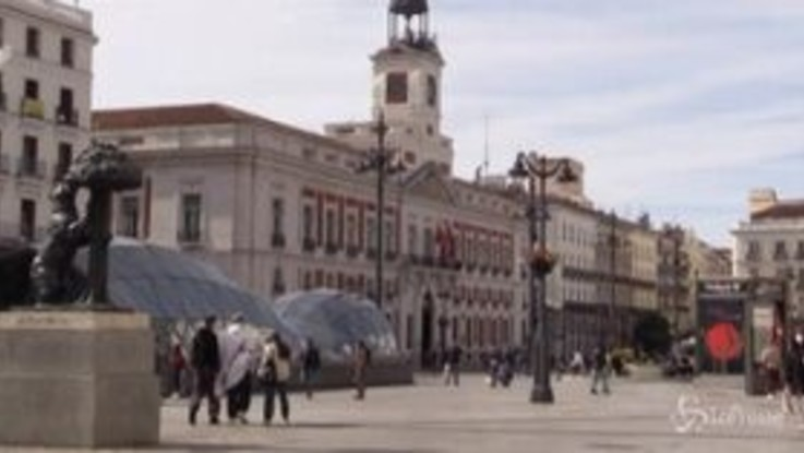 Madrid, poca gente in giro dopo la nuova stretta