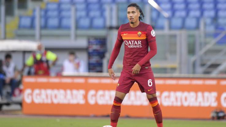 Calciomercato, Smalling alla Roma. Nainggolan resta all'Inter, Kalinic a Verona
